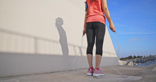 woman sport and rope skipping Live影片