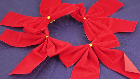 Red decorative bow Live Action
