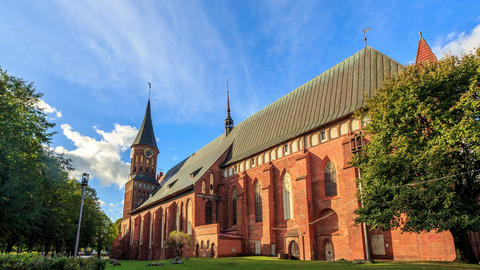 Kaliningrad Cathedral on the island of Kant. Kirch. Kaliningrad, Russia. HDR ビデオ