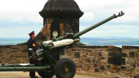 One O'Clock Gun preparing to be fired at Edinburgh Castle Footage