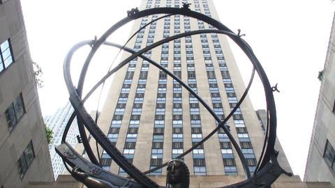 Tilt up the Atlas statue at Rockefeller Center in New York City Live Action