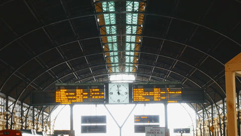 tracking shot on wrought iron roof in the north train station in Valencia, spain ビデオ