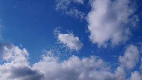 TimeLapse - Blue sky and cloud movements ビデオ