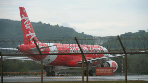 AirAsia Airbus 320 before departure Live Action