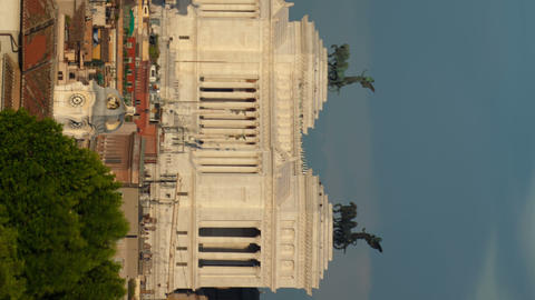 Vertical time-lapse of the Vittoriano and Saint Andrea della Valle Footage