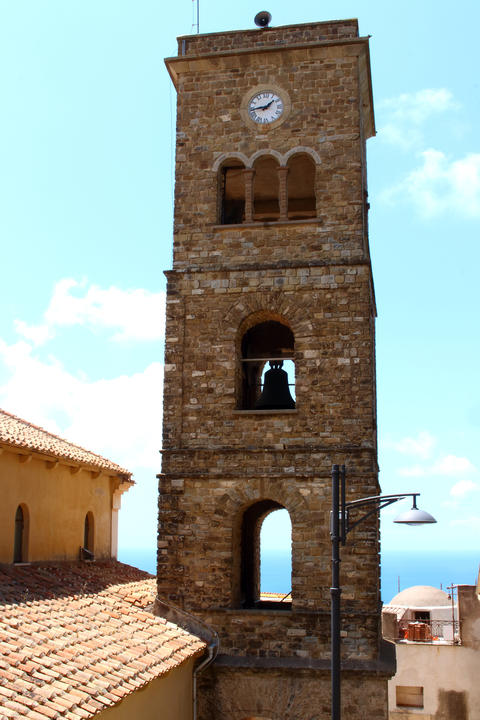 The bell tower of the Cathedral of Castellabate -2 Fotografía