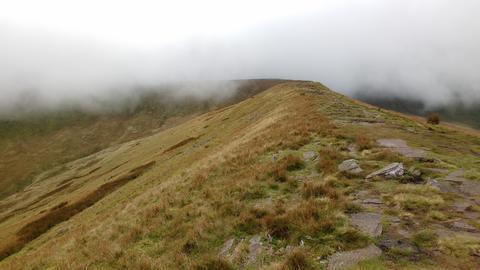 Cloudy Mountain Top Ridge, Brecon Beacons National Park, Pen y Fan, Wales, UK Fotografía