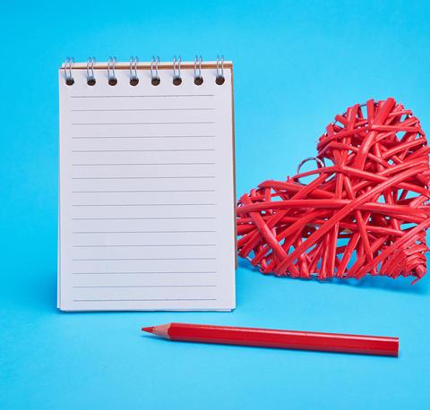 open blank notebook in line Fotografía
