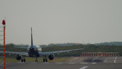 Jet airplane departure Live Action