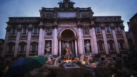 Downward tilt at rainy Trevi Fountain Footage
