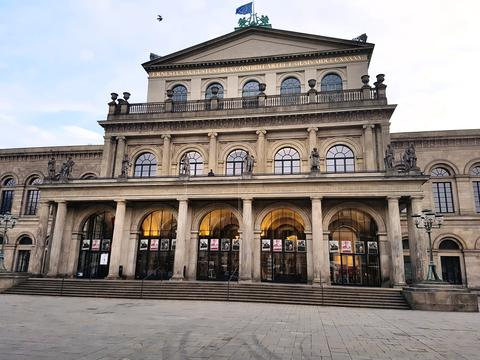 The opera house of hanover Germany in the city center on a bright morning - dramatic Fotografía
