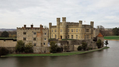 Time-lapse of Leeds Castle by the lake Footage