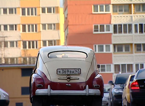 How to get an old car Stock Video Footage