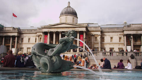 LONDON - OCTOBER 9: National Gallery entrance and fountain on October 9, 2011 in Footage