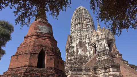 temple Wat Ratchaburana at Ayuthaya park Live Action