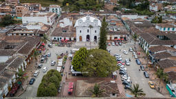 The church and central park of a colonial town in Colombia Fotografía