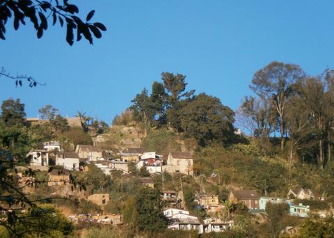 Malagasy Hillside Village, Houses in Madagascar, near Antananarivo Fotografía