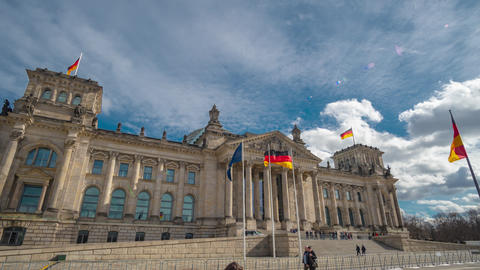 Timelapse. The famous building of the Bundestag is one of the symbols of Berlin Archivo