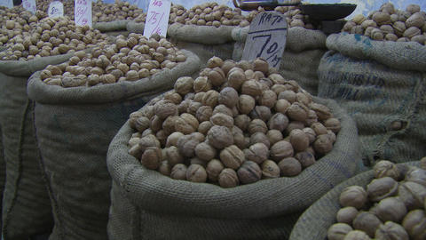 Sacks of India walnuts ライブ動画