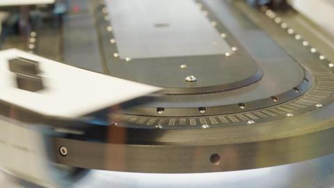 Details on moving high speed conveyor belt under scanner Live Action