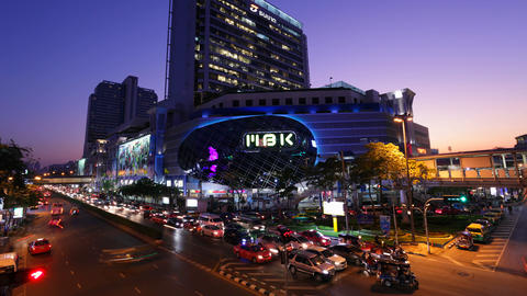 Timelapse - MBK Center at sunset - Bangkok Footage