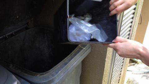 throw plastic to the bin ライブ動画
