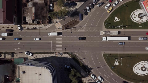 Top view road, cars moving on roundabout Archivo