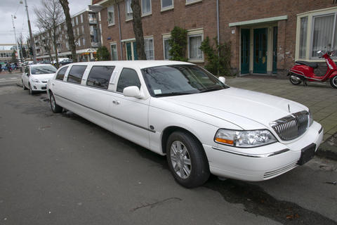 Lincoln Classic White Limousine At Amsterdam The Netherlands 2019 Fotografía