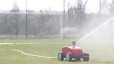 Automatic watering of grass Archivo