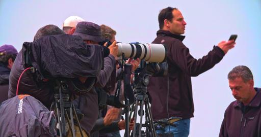 Gaza, March 30, 2019. Photographers and cameramen on a hill near the border ビデオ