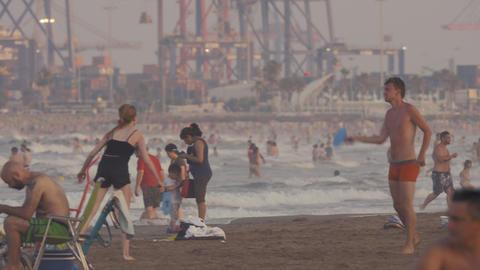 Crowded beach in Valencia, Spain Archivo