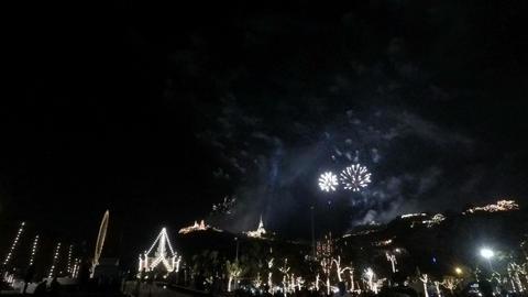 fireworks at Phetchaburi Phra Nakhon Khiri Festival Archivo