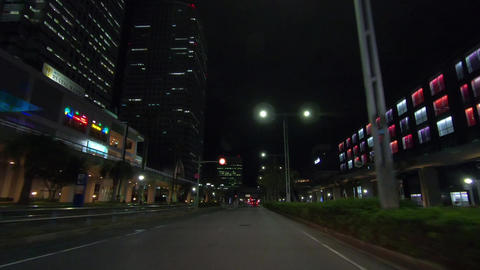Traveling at night in the downtown area ライブ動画