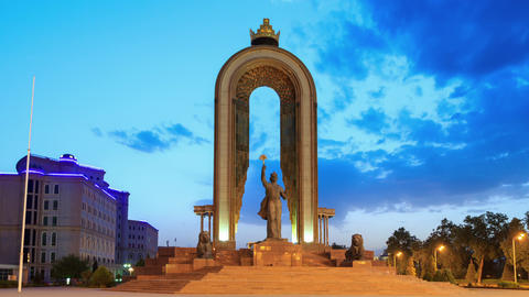 Glitch effect. Ismoil Somoni Monument. SunSet. Time Lapse. 14 August 2014, Dushanbe, Tajikistan Archivo