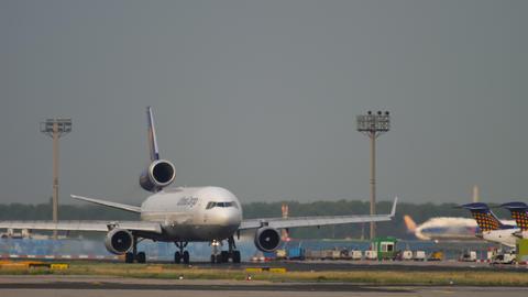 Lufthansa Cargo MD-11 before departure Archivo