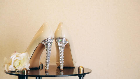 Wedding shoes with high heels decorated with precious stones HD 1920 Live Action