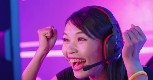 cybersport gamer have live stream ビデオ