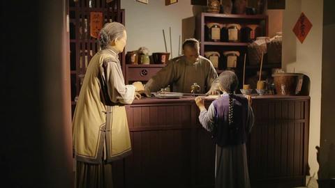 SHANGHAI - SEP 06:Traditional Chinese herbal medicine shop,Wax figure ,China Footage