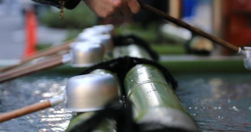 Purification trough at Kanda shrine in Tokyo closeup ビデオ