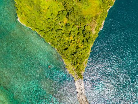 Top-Down Shot at the Tropical Island. Aerial View Fotografía