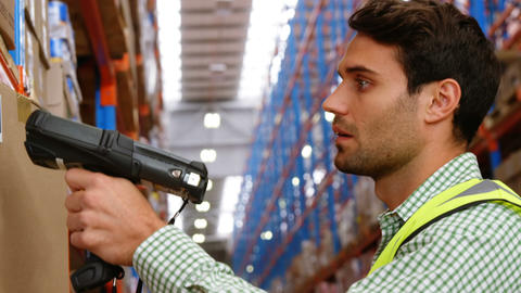 Warehouse worker working alone Live Action