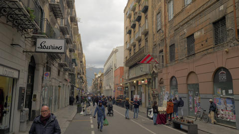 Lively pedestrian street in Palermo, Italy Archivo