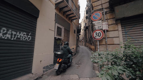 Motorbike in the alleyway of Palermo, Italy Archivo
