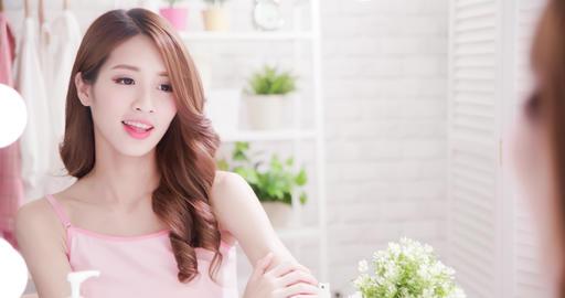 skin care woman apply cream Live影片