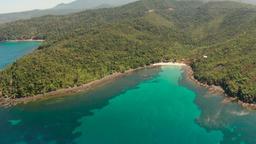 tropical island with blue lagoon Archivo