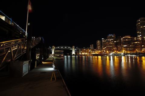 Night view of Burrard bridge Fotografía