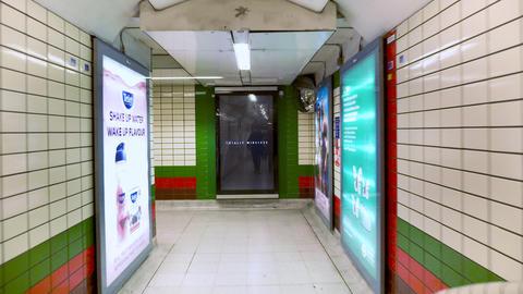 London, May 12, 2019: POV Walking inside Picadilly underground Station. The Acción en vivo