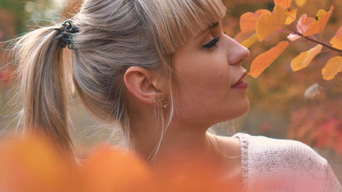 Real Time Young Cheerful Woman Portrait In Autumn Colorful Park Live Action