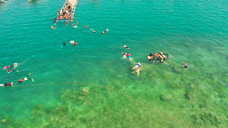 Tourists snorkeling in the lagoon, Philippines, El Nido Archivo