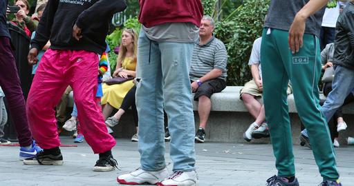 Street Dancers Moves In London Acción en vivo